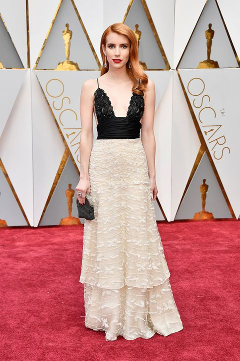 Emma Roberts Wears An Ode To Julia Roberts Oscar Win To The 2017 Oscars Emma Roberts Academy Awards Red Carpet