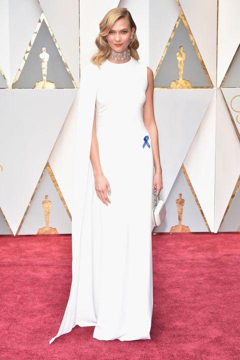 e2eb401e33a Karlie Kloss Channels Gwyneth Paltrow s 2012 Oscars Look - Karlie ...