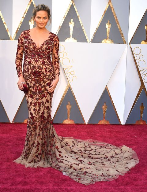 <p>In Marchesa at the 2016 Academy Awards.&nbsp;</p>