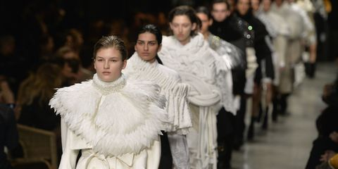 Fashion, Fur, Gown, Fashion design, Audience, Fur clothing, Glove, Haute couture, Costume design, Ceremony,