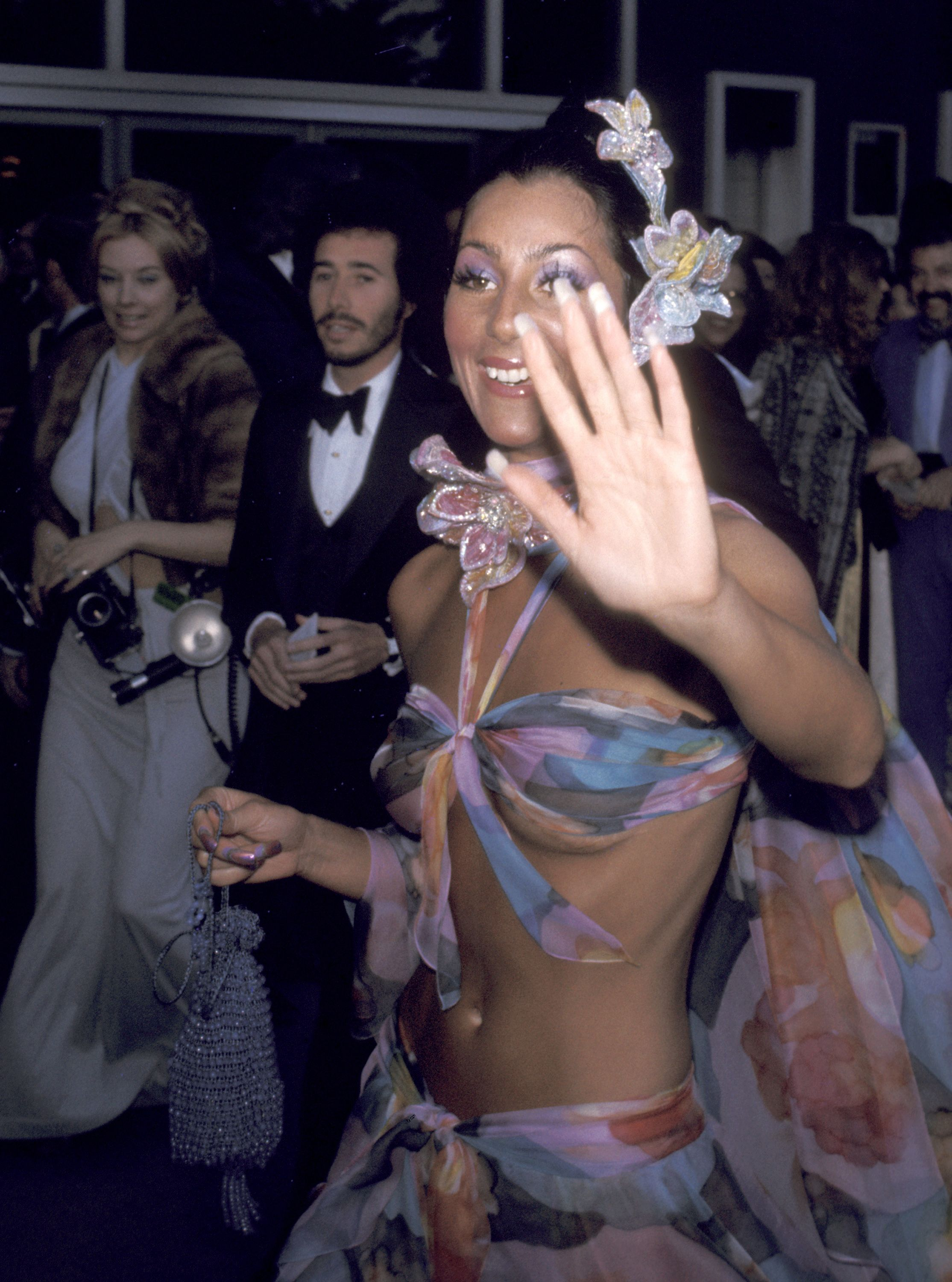 Cher Oscars Red Carpet Outfits - Cher's Best Oscar Moments
