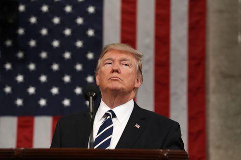 Speech, Spokesperson, Public speaking, Official, Flag of the united states, Orator, Speaker, Event, Flag, News conference,