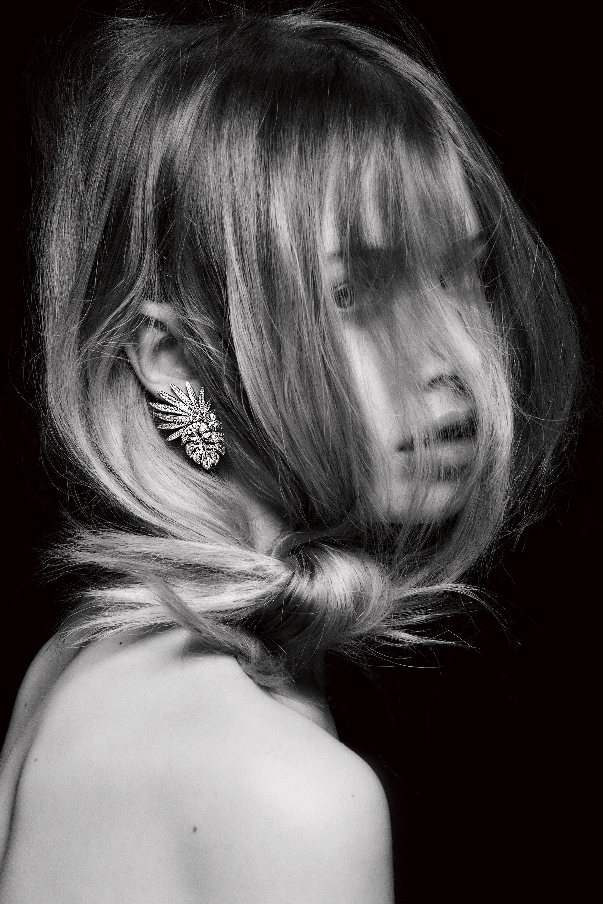 MODEL: ANNA LUND; HAIR: JOEY GEORGE FOR  BUMBLE AND BUMBLE; MAKEUP: JUSTINE PURDUE FOR TOM FORD