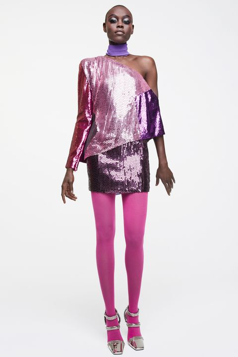 Fashion model, Clothing, Shoulder, Fashion, Purple, Violet, Magenta, Leggings, Pink, Joint,