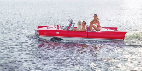 Watercraft, Recreation, Boat, Outdoor recreation, Leisure, Boating, Speedboat, Lake, Skiff, Water transportation,