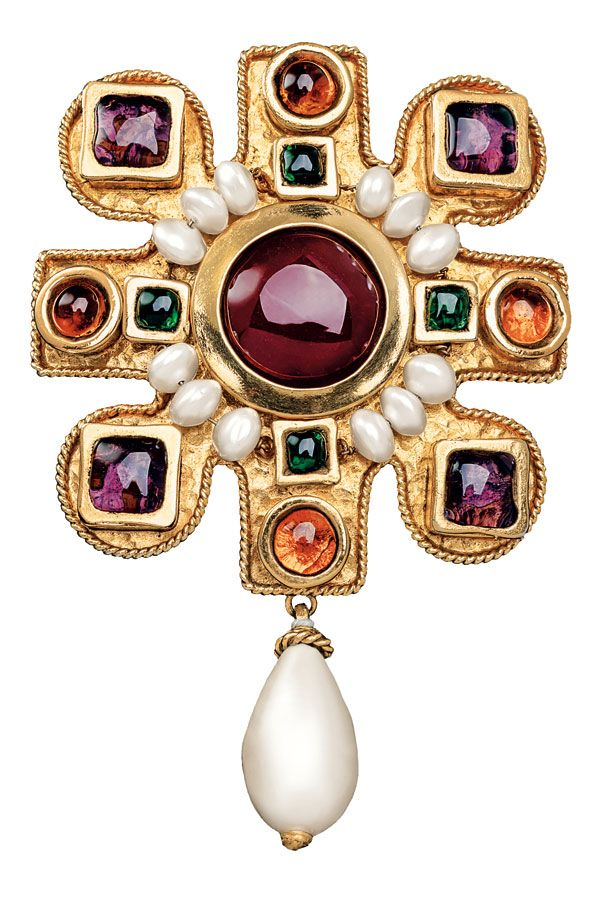 How to Collect Costume Jewelry