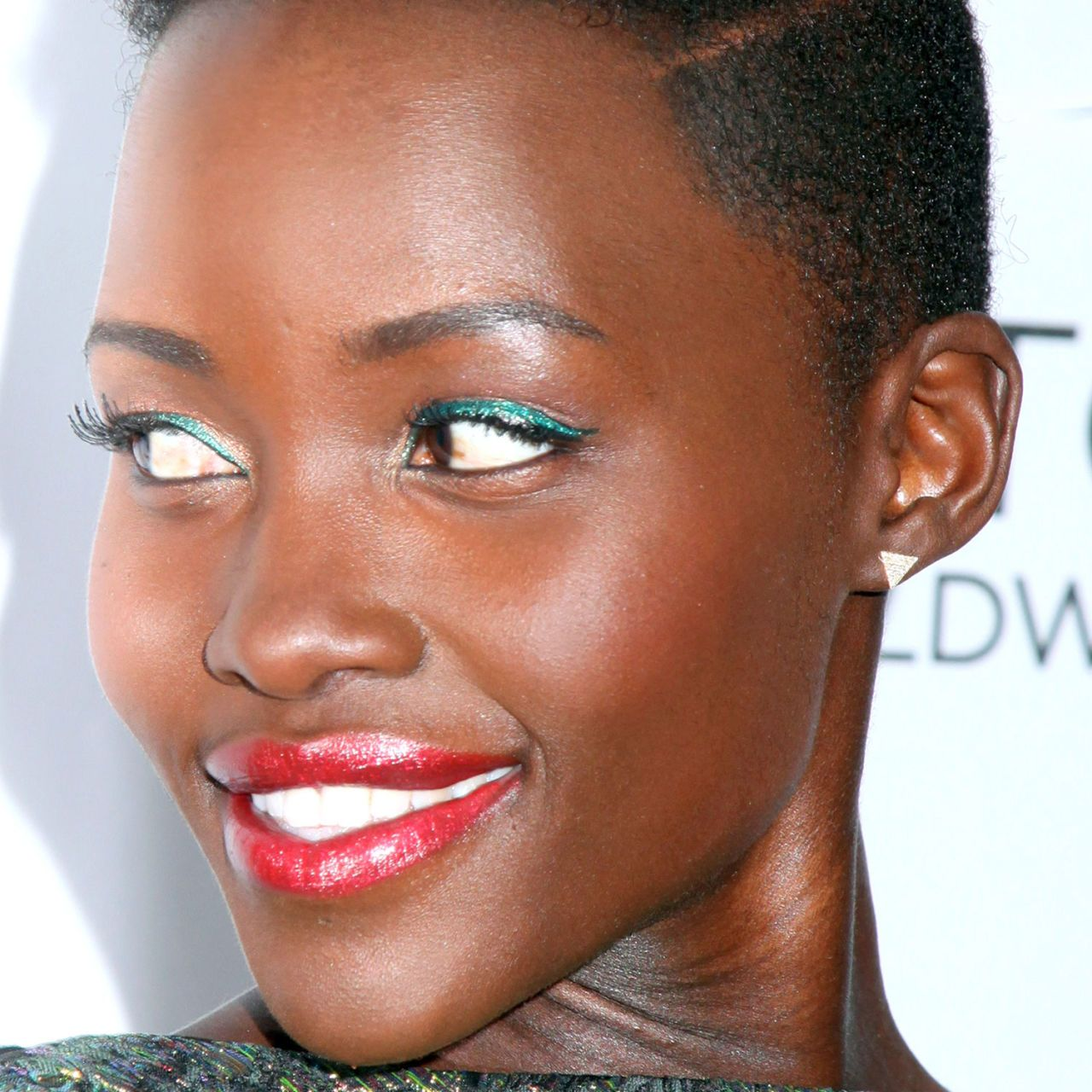 10 New Ways to Wear Eyeliner