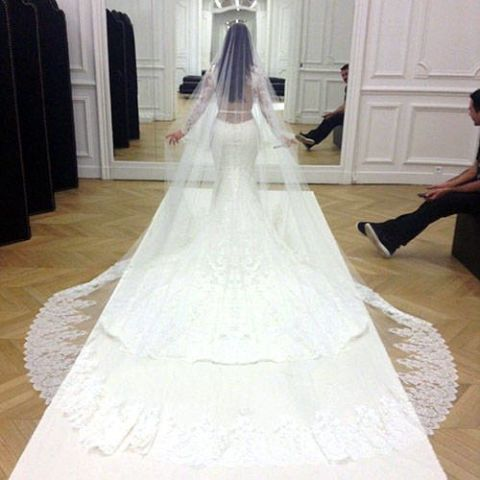 Kim Kardashian Wedding Dress Fitting - Kim Kardashian Naked