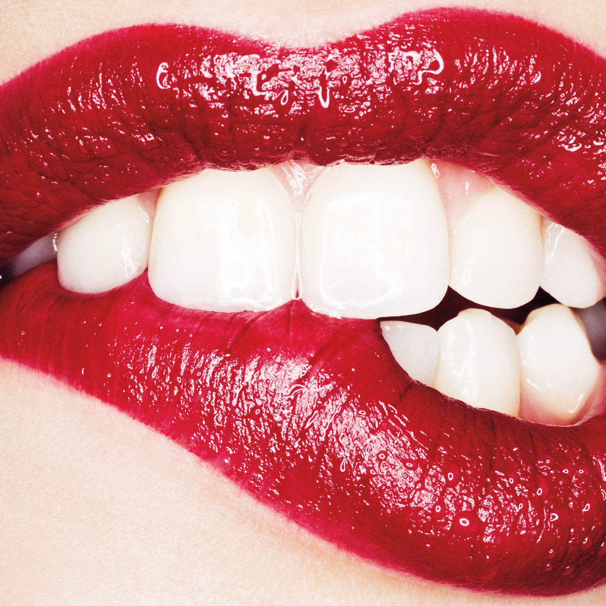 5 Natural Teeth Brighteners