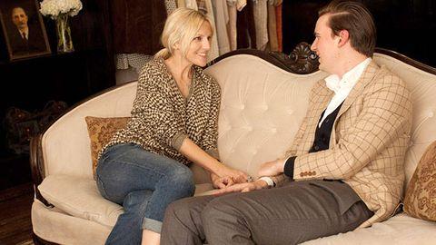 Leg, Human, Comfort, Sitting, Interior design, Living room, Interaction, Interior design, Lap, Suit trousers,