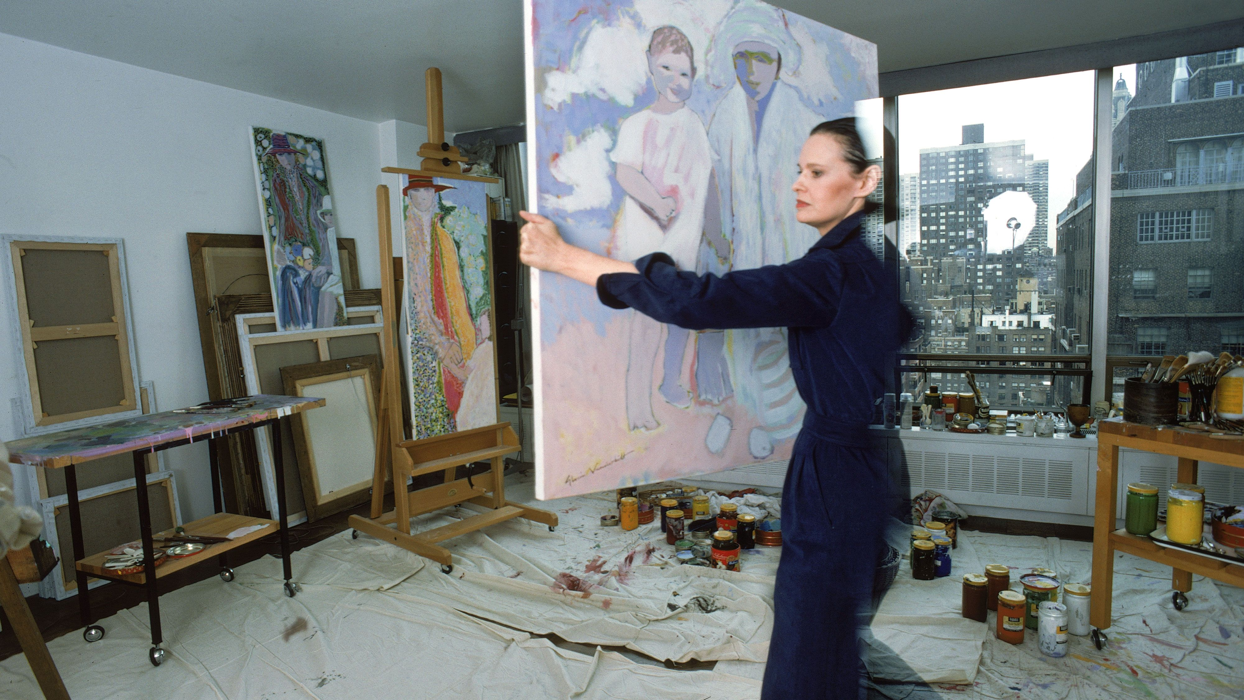 Gloria Vanderbilt's Tips For Bringing Art Into Your Home