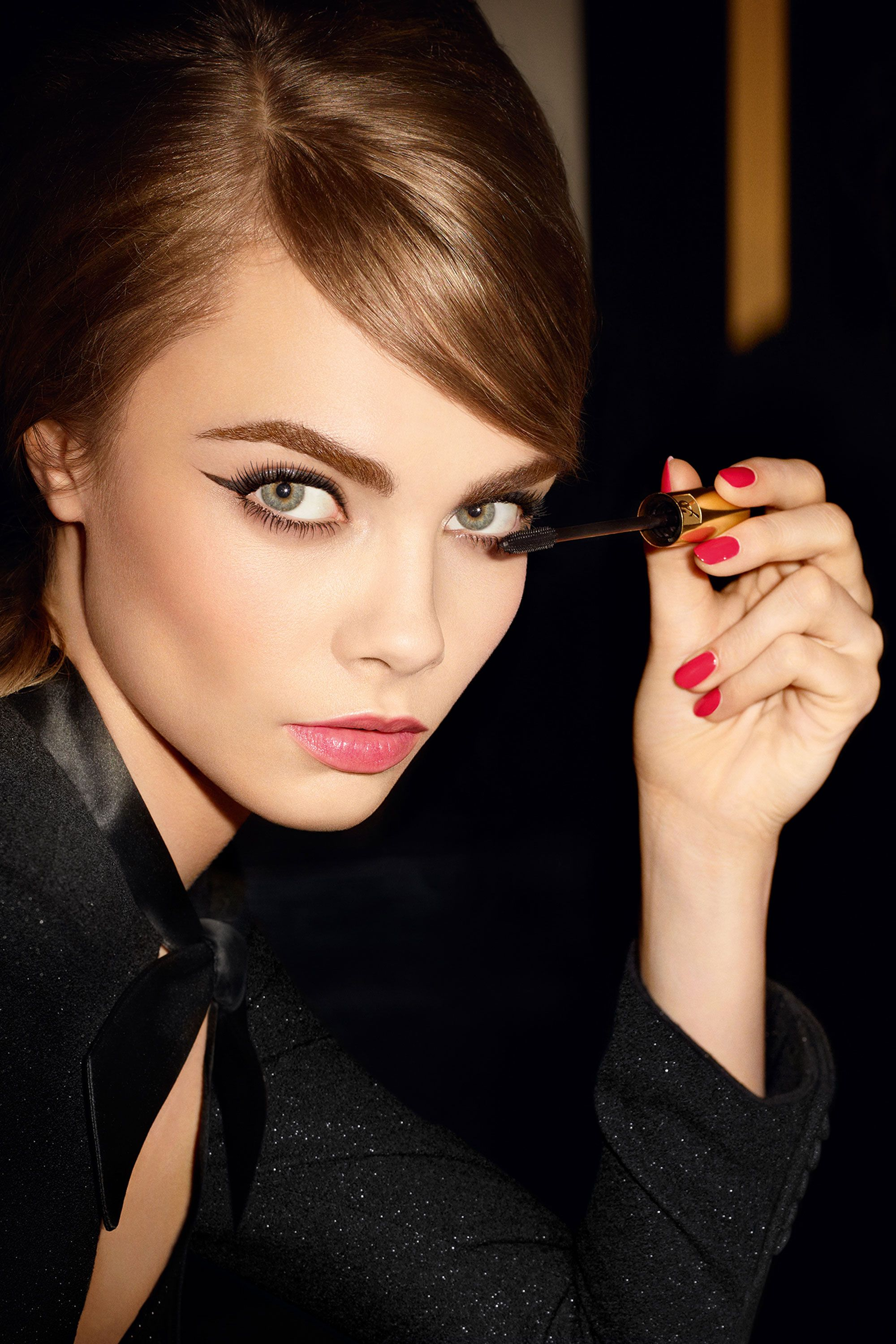 Cara Delevingne Demonstrates the Wrong Way to Apply Vibrating Mascara, Plus More!