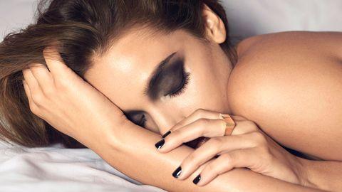 Finger, Skin, Eyelash, Nail, Black hair, Interaction, Organ, Beauty, Photography, Eye liner,