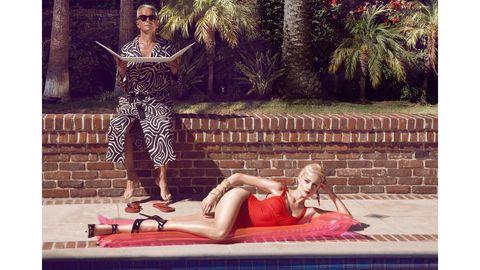 Human body, Human leg, Sunglasses, Thigh, Knee, Street fashion, Outdoor furniture, Waist, Arecales, Boot,
