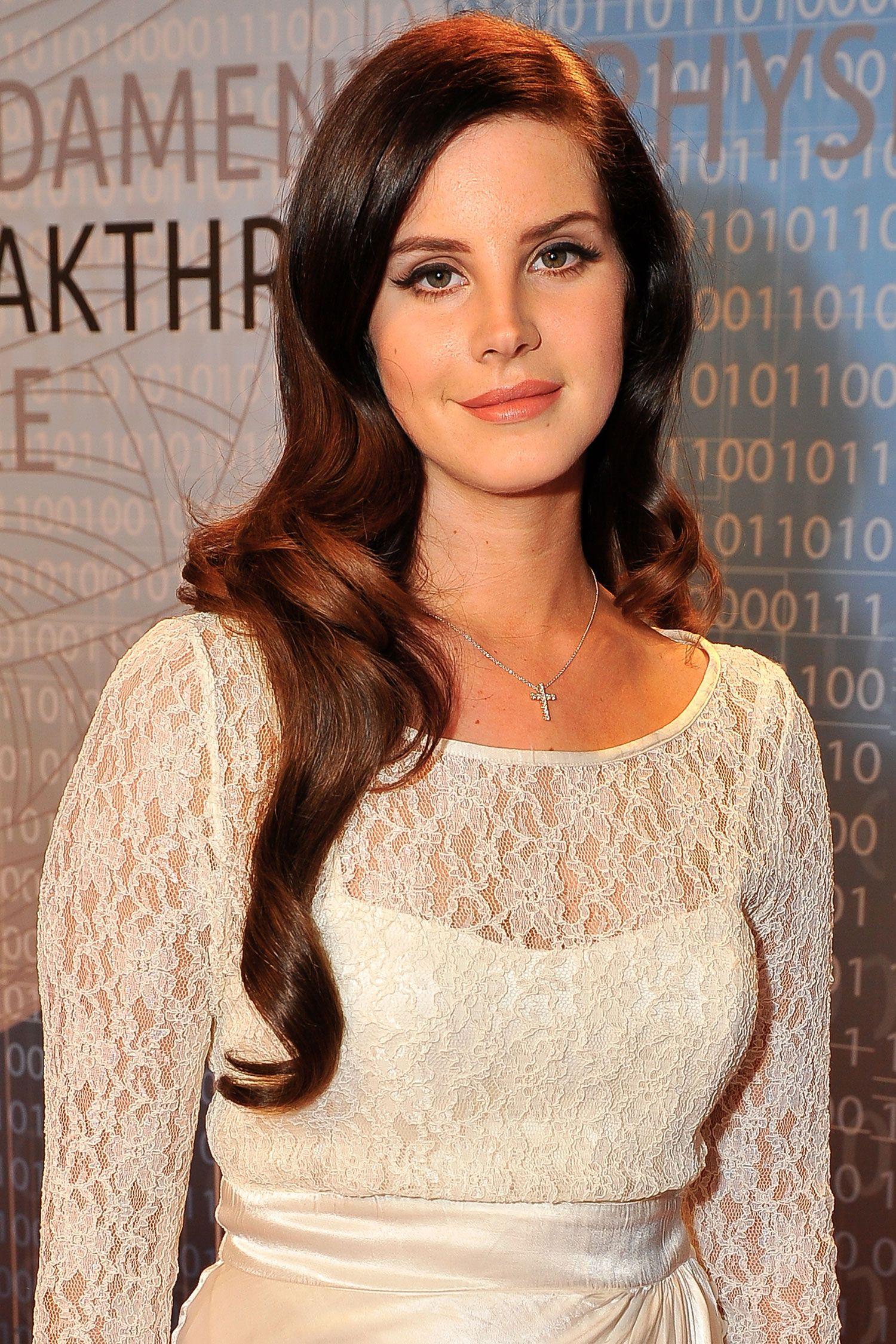 Lana Del Rey Debuts New Songs For Tim Burton Film