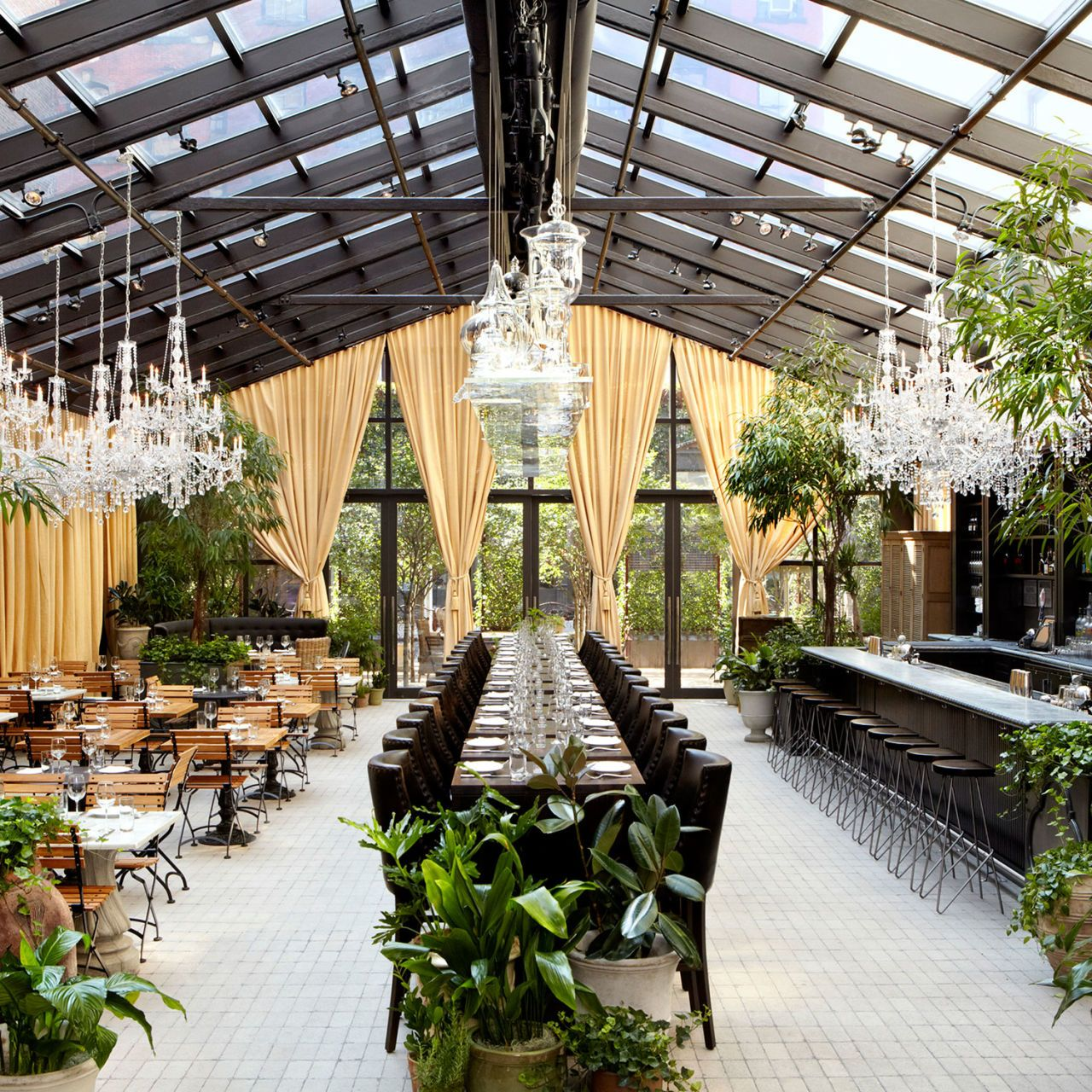New York's Chicest Gardens to Eat In