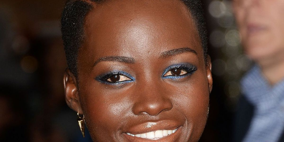 How to get Lupita Nyong'o's Sultry Blue Smoky Eye