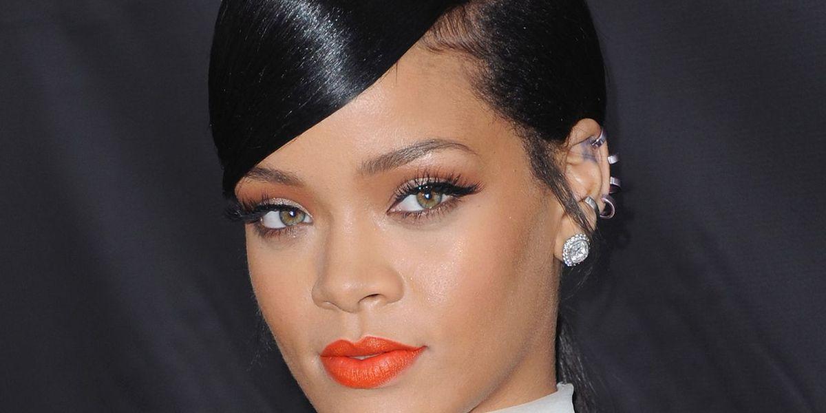 Rihanna Challenges Instagram's No Nudity Rule (Again)