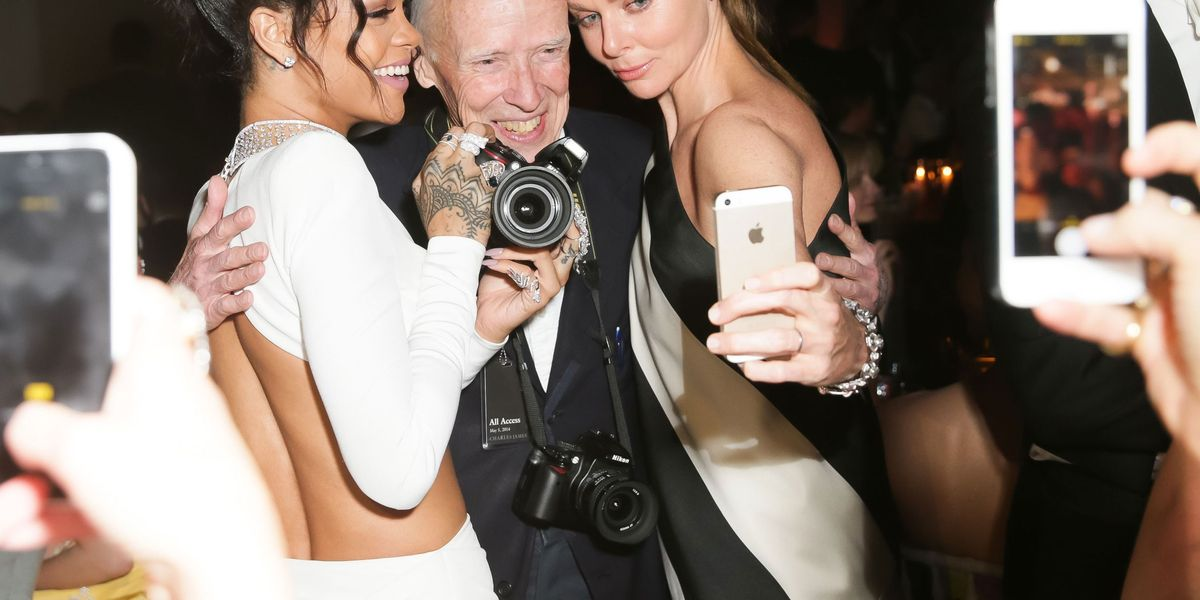 16 Annoying Things Fashion People Do On Social Media