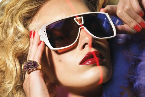 Eyewear, Sunglasses, Hair, Cool, Glasses, Beauty, Vision care, Lip, Hairstyle, Blond,