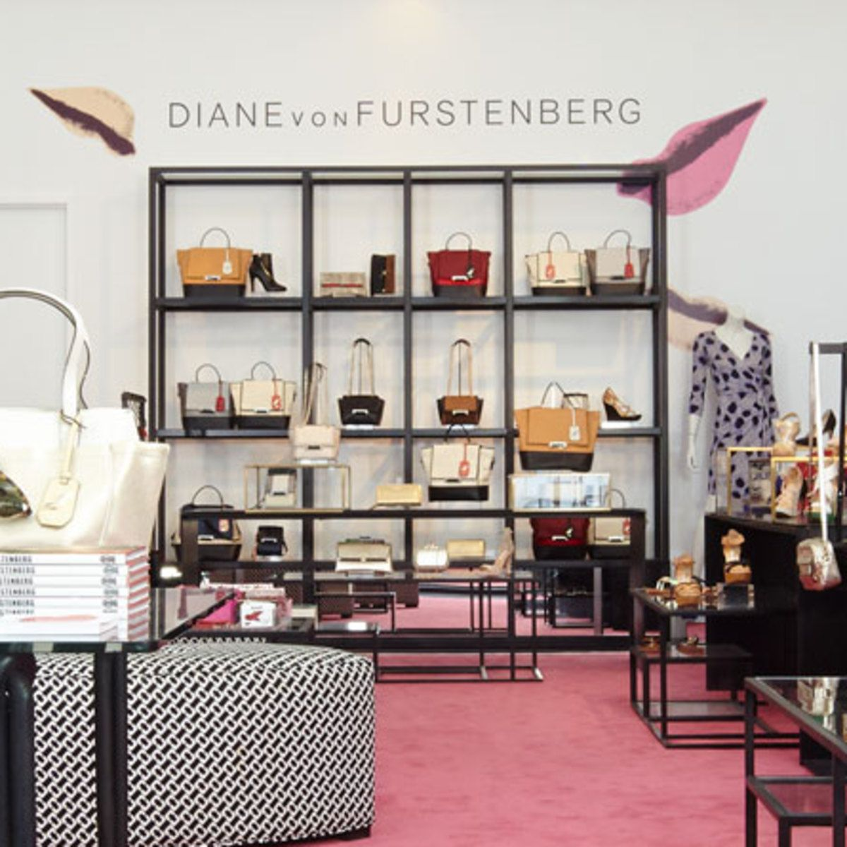 Tales in Retail: Curve Decamps to Bond Street with Biggest Boutique Yet pictures
