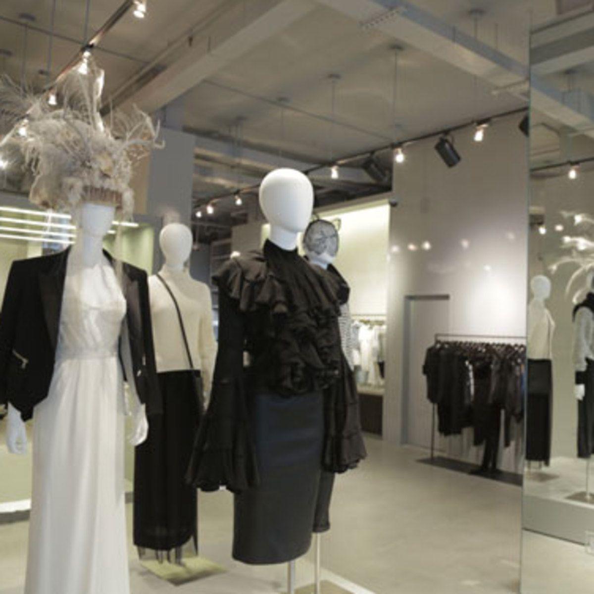 Tales in Retail: Curve Decamps to Bond Street with Biggest Boutique Yet
