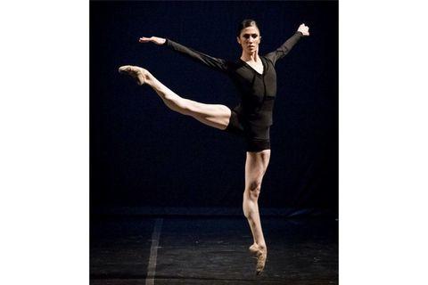 Human leg, Hand, Performing arts, Dancer, Wrist, Artist, Athletic dance move, Knee, Ballet shoe, Choreography,