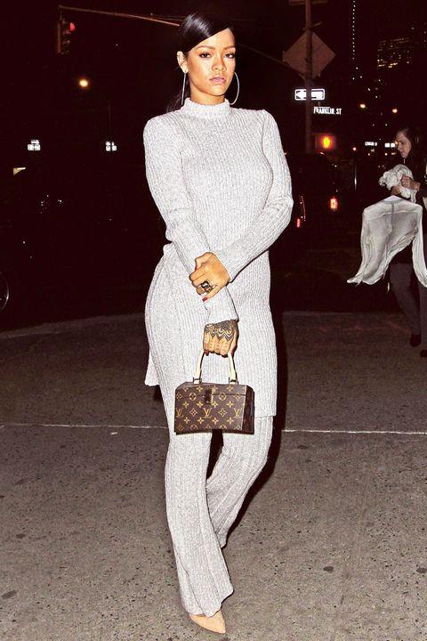 Leg, Sleeve, Human body, Textile, Standing, Street fashion, Fashion, Beige, Fur, Vintage clothing,