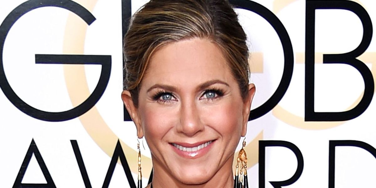 How Jennifer Aniston Contours without Bronzer