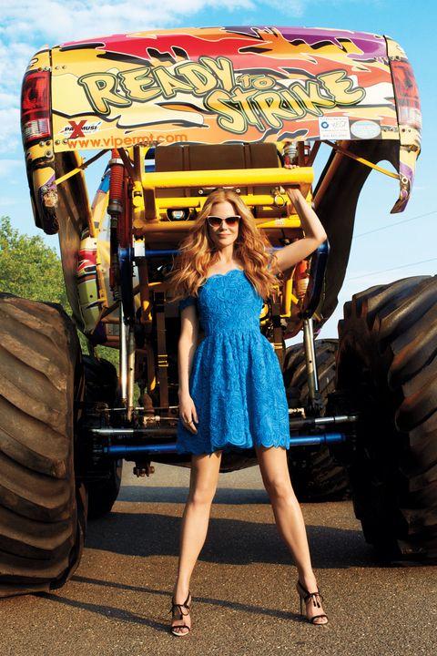 Tire, Wheel, Automotive tire, Automotive design, Dress, Human leg, Tread, Auto part, Fender, Agricultural machinery,