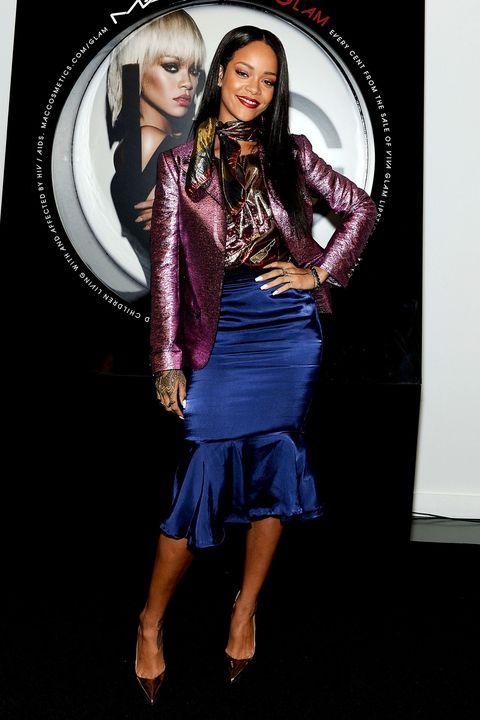 Eye, Fashion, Knee, Fashion model, Long hair, Flash photography, Model, Waist, Makeover, Fashion design,