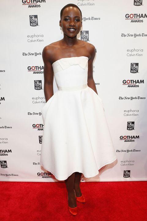 Dress, Shoulder, Flooring, Joint, White, Red, Eyelash, Style, Premiere, Carpet,