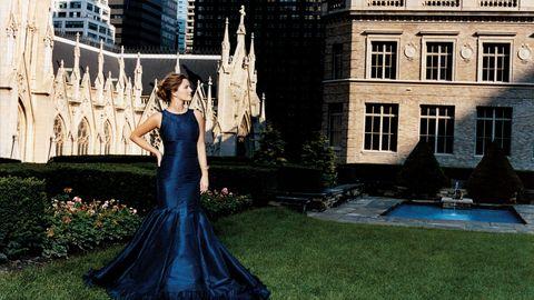 Dress, Window, Building, Formal wear, Gown, Beauty, Garden, One-piece garment, Day dress, Bridal party dress,