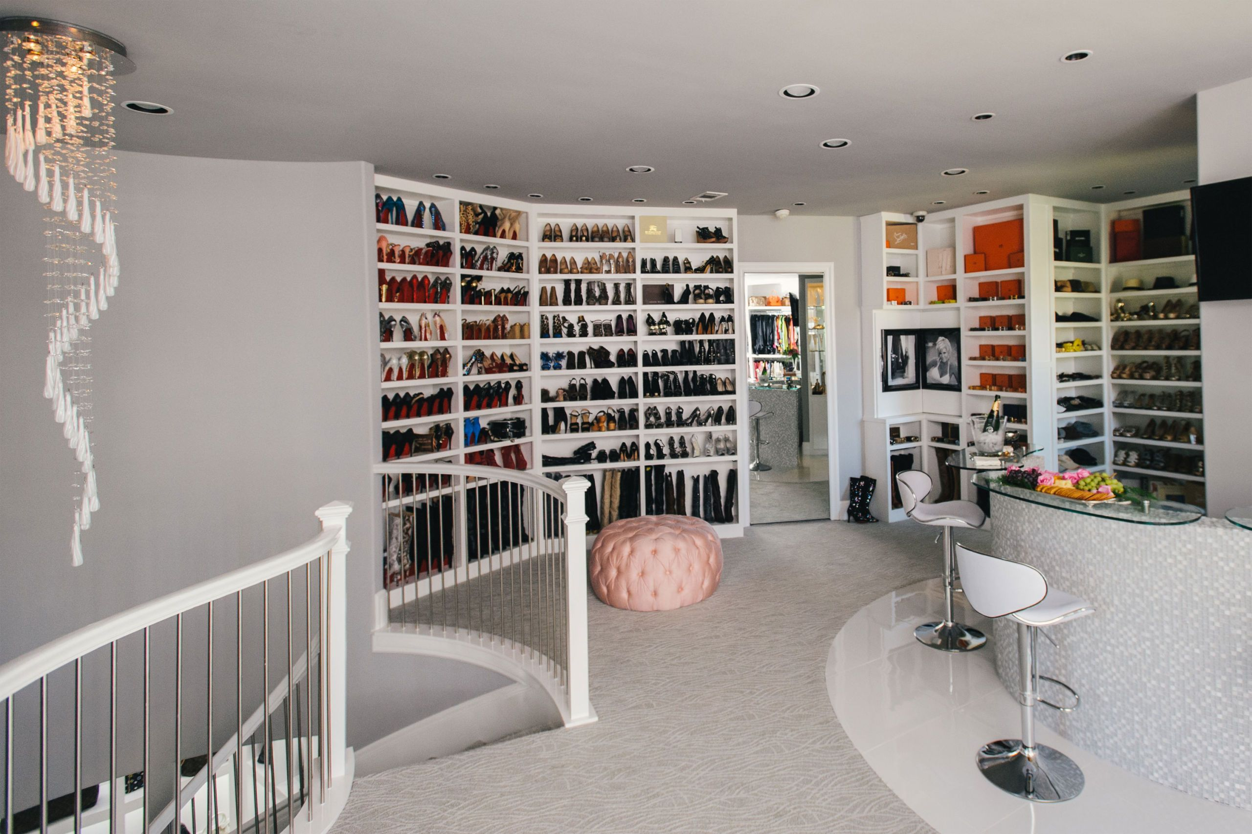 unicareplus in world biggest photos of celebrity closet the decor closets through walk design home ideas best