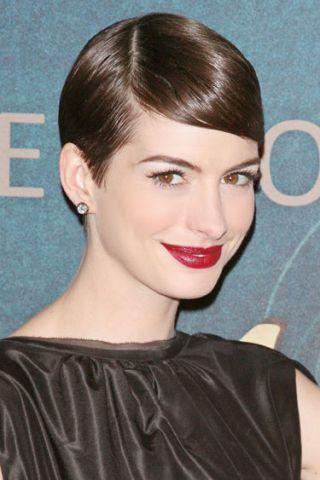 Ear, Lip, Hairstyle, Earrings, Chin, Forehead, Eyebrow, Eyelash, Style, Beauty,