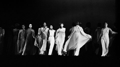 Standing, Darkness, Fashion, Costume design, Black-and-white, Monochrome photography, Monochrome, Fashion design, Drama, Vintage clothing,