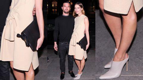 Leg, Human leg, Joint, Outerwear, Style, Thigh, Fashion, Calf, Bag, Hip,