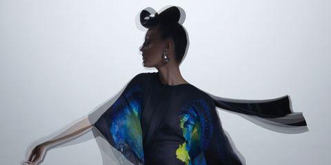 Shoulder, Joint, Dress, Costume design, High heels, Fashion, Waist, One-piece garment, Art, Knee,