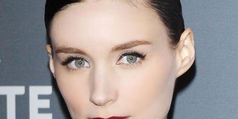 Ear, Lip, Mouth, Hairstyle, Skin, Chin, Forehead, Eyelash, Shoulder, Eyebrow,