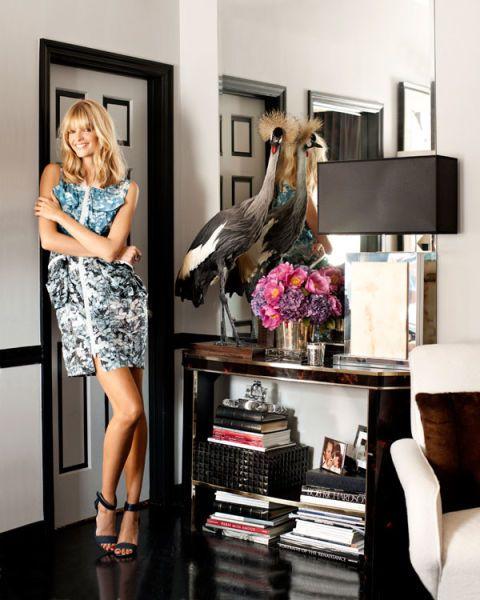 Shoulder, Room, Interior design, Style, Dress, Interior design, Bird, Beak, Knee, Shelving,