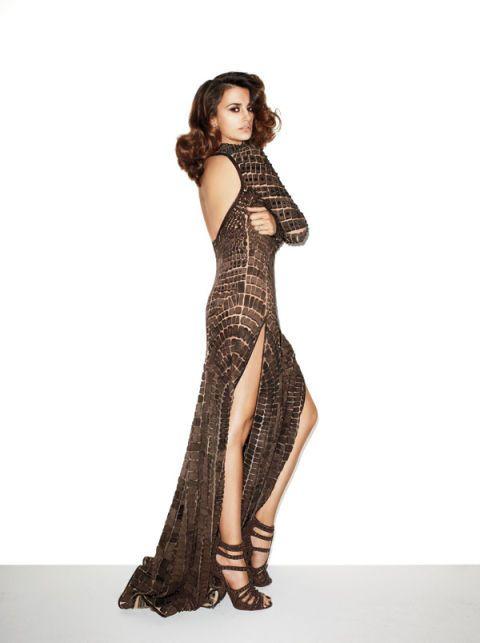 Brown, Shoulder, Dress, One-piece garment, Formal wear, Style, Waist, Fashion model, Day dress, Gown,