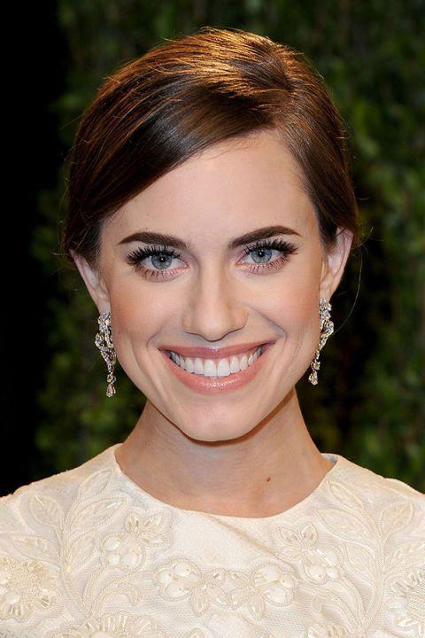 Hair, Face, Head, Ear, Earrings, Lip, Mouth, Hairstyle, Chin, Forehead,