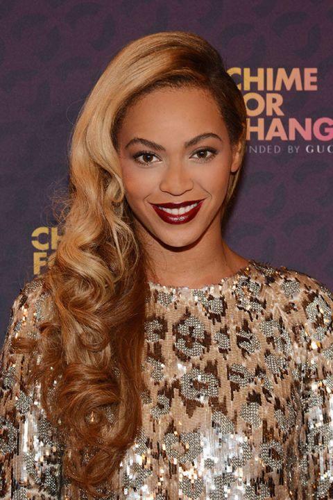 Nose, Lip, Smile, Hairstyle, Eyebrow, Eyelash, Style, Fashion model, Beauty, Long hair,