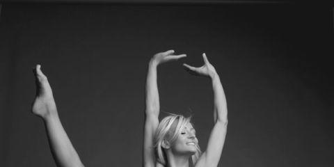 Leg, Human leg, Shoulder, Elbow, Photograph, Wrist, Joint, Standing, Knee, Waist,