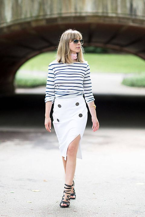 Clothing, Sleeve, Shoulder, Textile, Joint, Outerwear, White, Fashion accessory, Bag, Style,