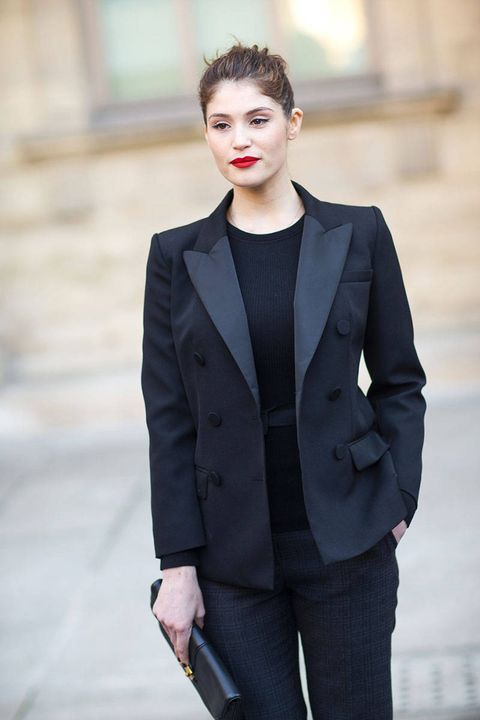 Clothing, Lip, Sleeve, Collar, Shoulder, Coat, Outerwear, Standing, Style, Pocket,