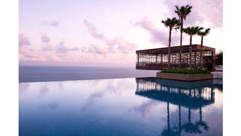Reflection, Atmosphere, Resort, Arecales, Lake, Evening, Calm, Meteorological phenomenon, Tropics, Dusk,
