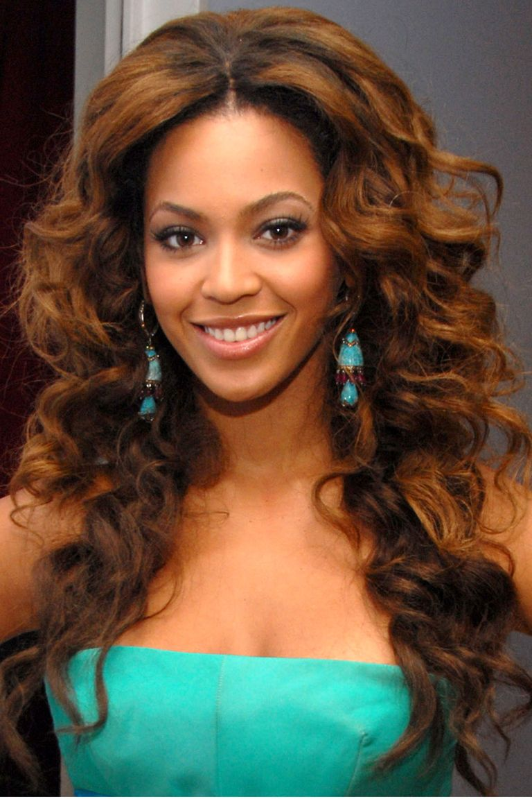 black people long hair styles 40 beyonce hairstyles beyonce s real hair hair and 1999 | 54bbd2ef927e8 hbz beyonce 2006 76376119.jpg?crop=1