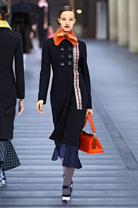 Clothing, Textile, Fashion show, Outerwear, Style, Street fashion, Winter, Bag, Fashion model, Runway,