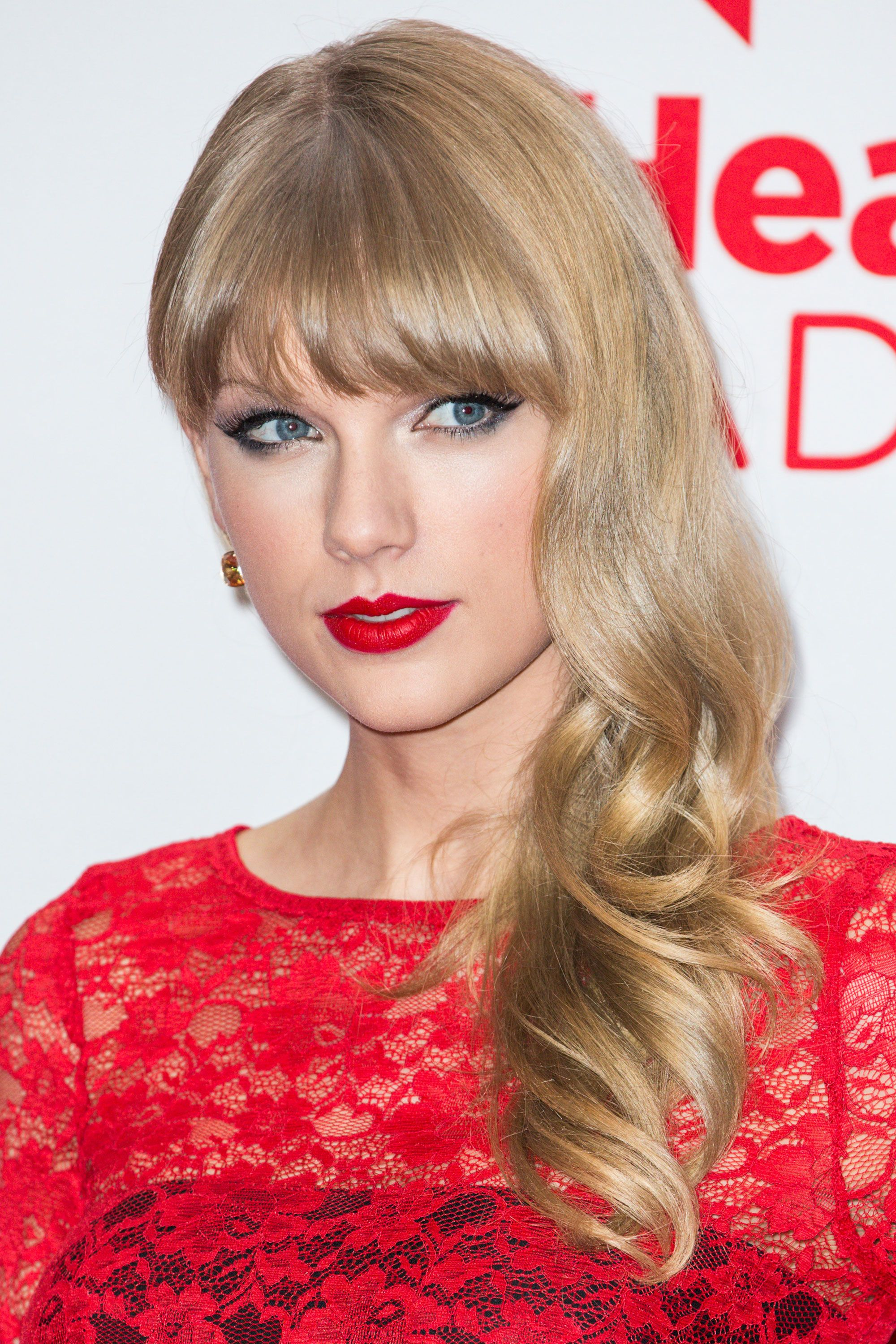 Taylor Swift Hairstyles Taylor Swift S Curly Straight Short Long Hair